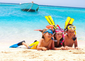 Bambini e regole del bagno al mare